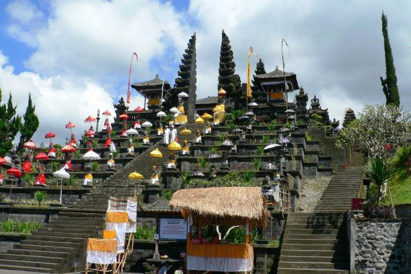 besakih-temple2