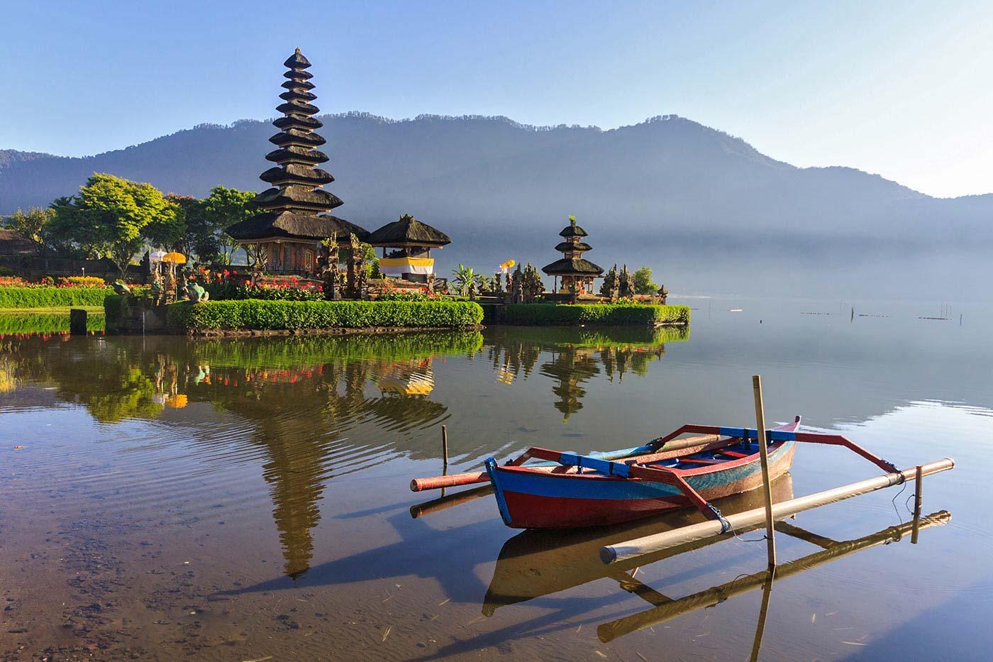 pura-ulun-danu-beratan-temple-bali-travel-expert